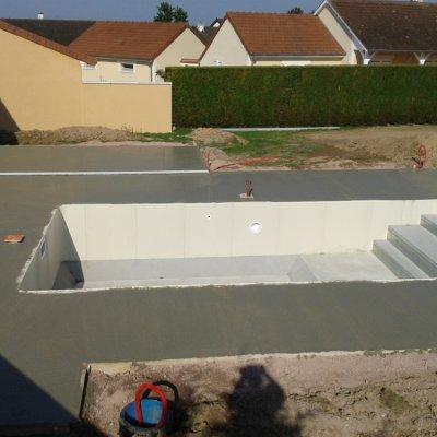 création piscine bourges dans le cher