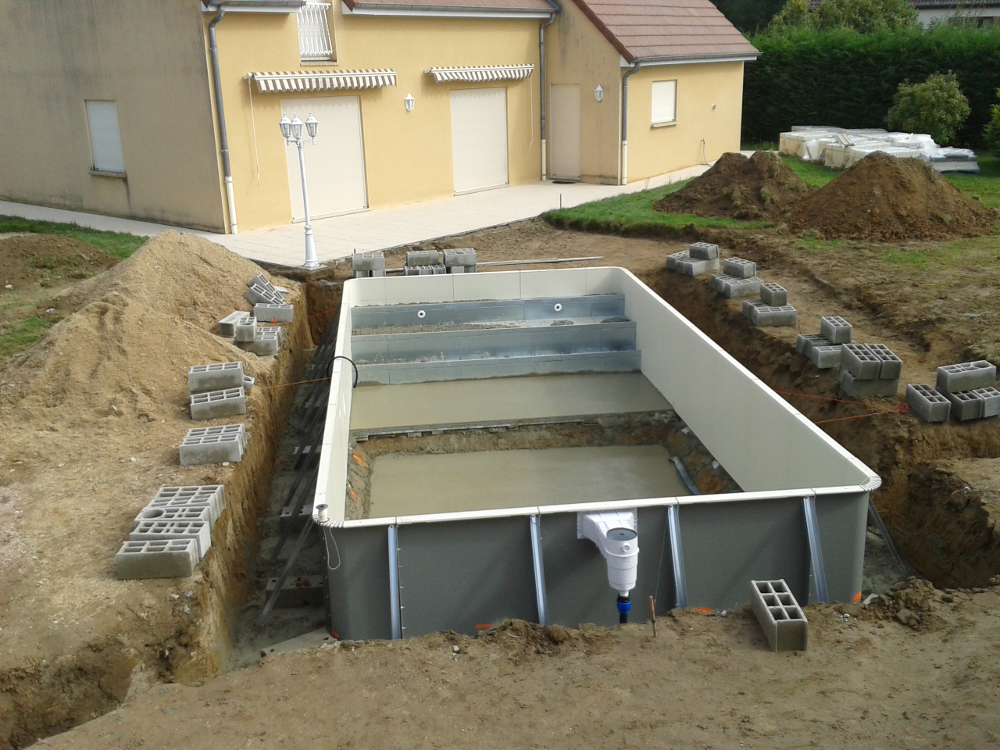 R alisations de piscines bourges aquilus bourges for Construction de piscines